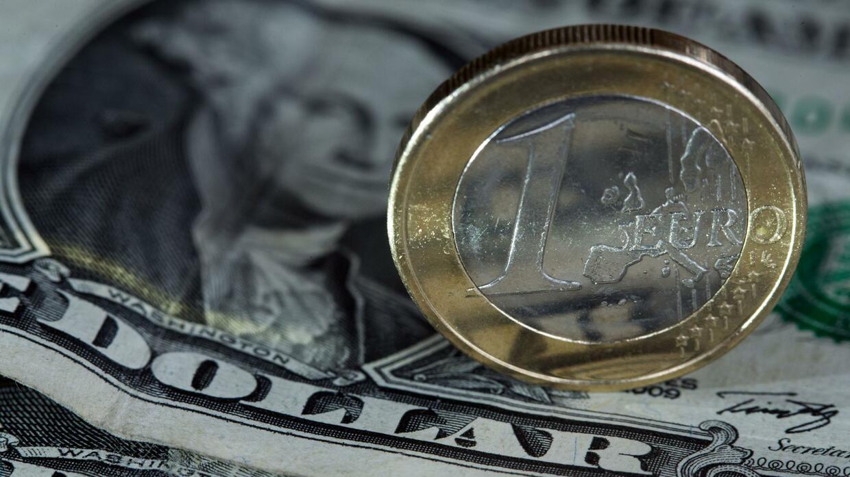 Euro/Dollar : Euro gibt nach - Coronavirus treibt Anleger in sichere Häfen