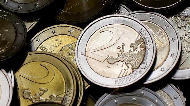 Euro/Dollar: Euro steigt auf Zwei-Monats-Hoch