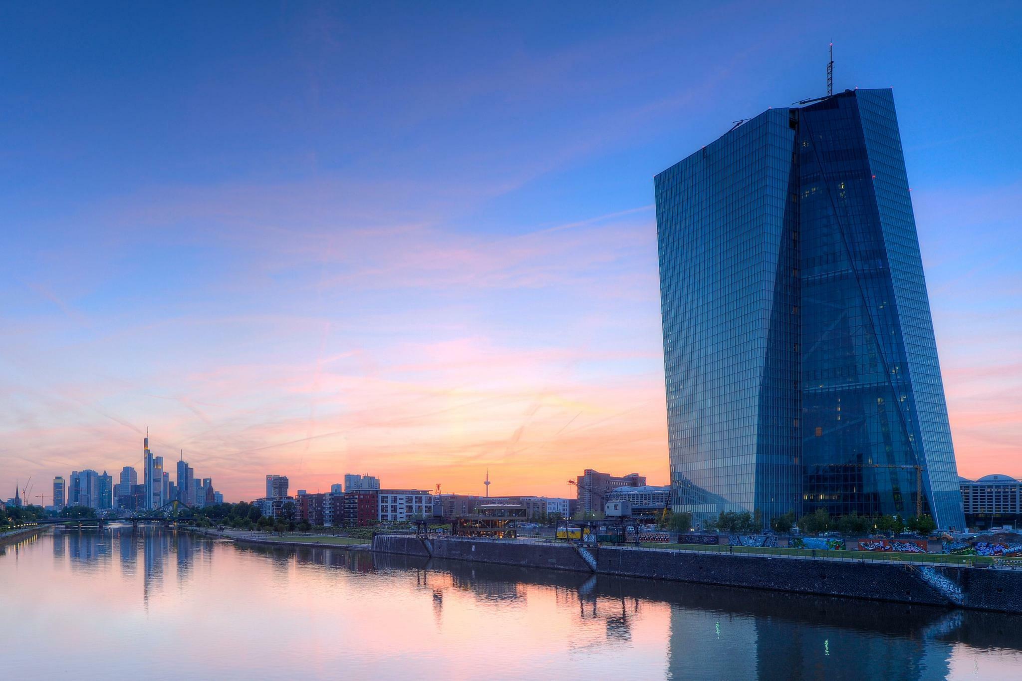 Umfrage der Commerzbank: Negativzinsen treffen fast ein Drittel der Unternehmen