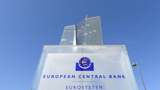EZB bleibt im Krisenmodus: Leitzins weiter auf Rekordtief