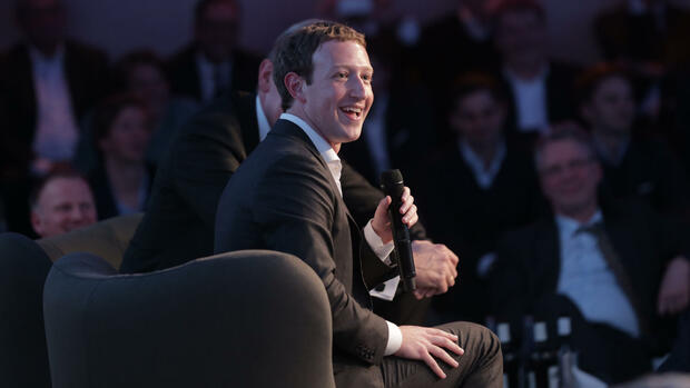 Facebook CEO Mark Zuckerberg in Berlin Quelle: dpa