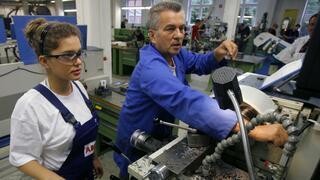 Arbeitsmarkt: Arbeitgeberverbände sehen Fachkräftemangel durch Frührente verstärkt