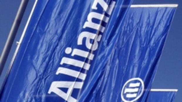Fahnen der Allianz AG in Quelle: dpa
