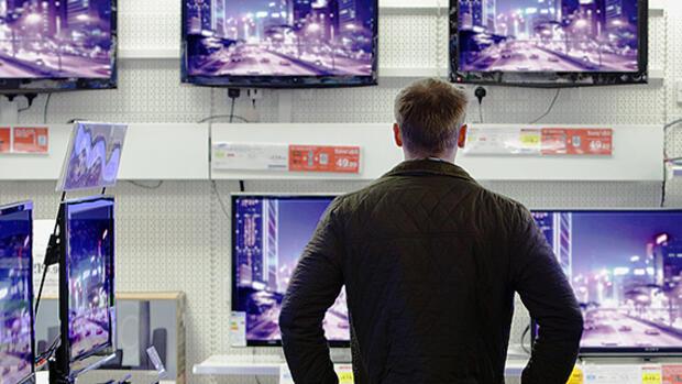 flacher gr er sch rfer worauf sie beim fernseherkauf achten m ssen. Black Bedroom Furniture Sets. Home Design Ideas