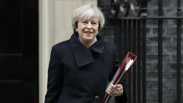 Premierministerin May erleidet Niederlage im Brexit-Streit