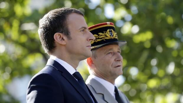 Frankreichs Streitkräfte-Chef tritt wegen Streit mit Macron zurück