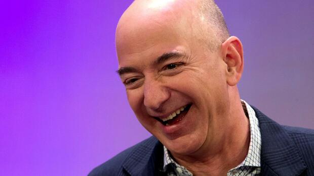 Jeff Bezos von Amazon ist jetzt der reichste Mann der Welt