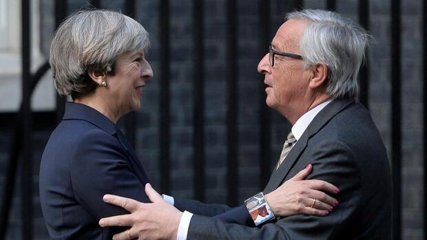 Brexit-Gespräche: May und Juncker wollen Tempo anziehen