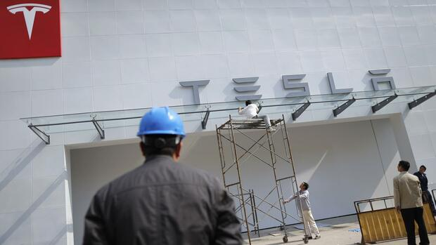 Ein Tesla-Showroom in Shanghai Quelle: REUTERS