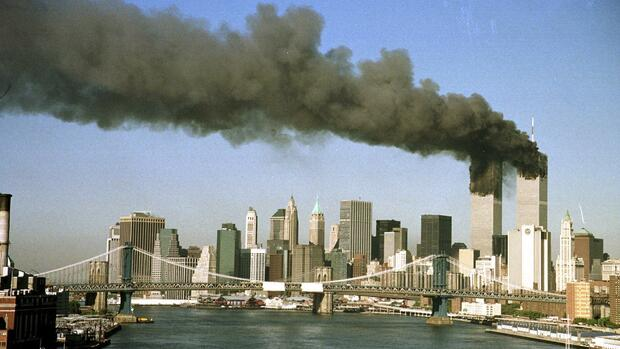 Foto des Anschlages auf das World-Trade-Center am 11. September 2001 Quelle: REUTERS