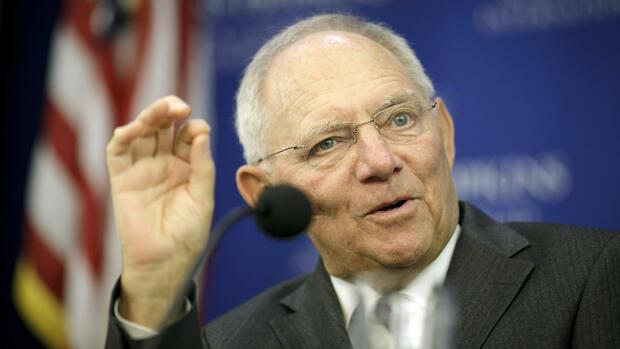Lagarde und Schäuble streiten über Exportüberschuss