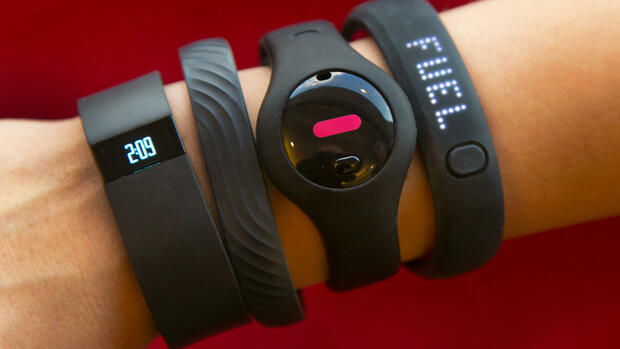 Fitbit Force, Jawbone Up, Fitbug Orb und Nike Fuelband Quelle: AP
