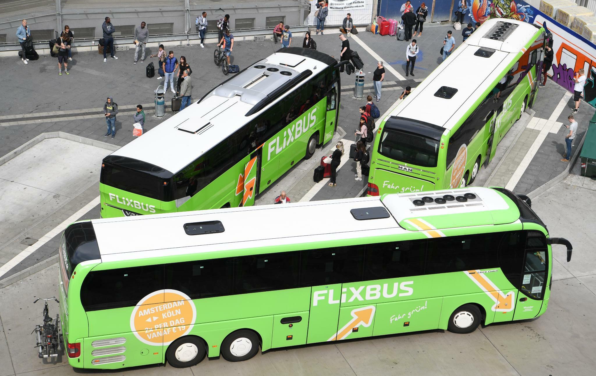 Mobilität: Flixbus will gegen Steuersenkung im Schienenverkehr klagen