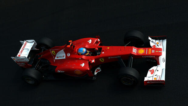 Spanish Formula One driver Fernando Alonso of Ferrari steers his car Quelle: dpa