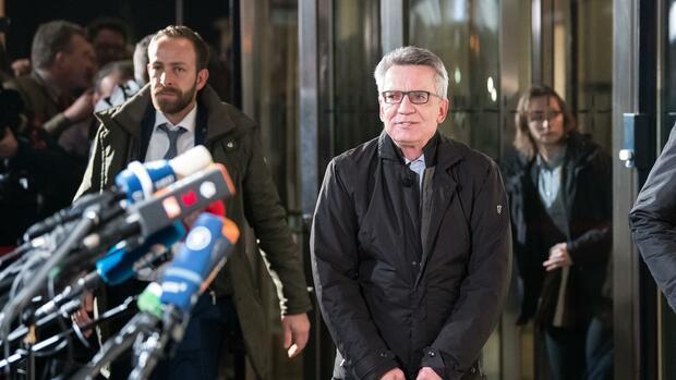 Zähes Ringen von Union und SPD um Sondierungsergebnis