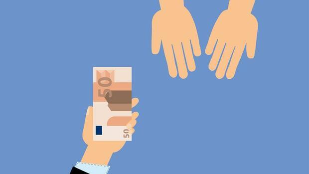 Wer wenig hat, wird stärker belastet: Steuer- und Sozialsystem benachteiligt Geringverdiener