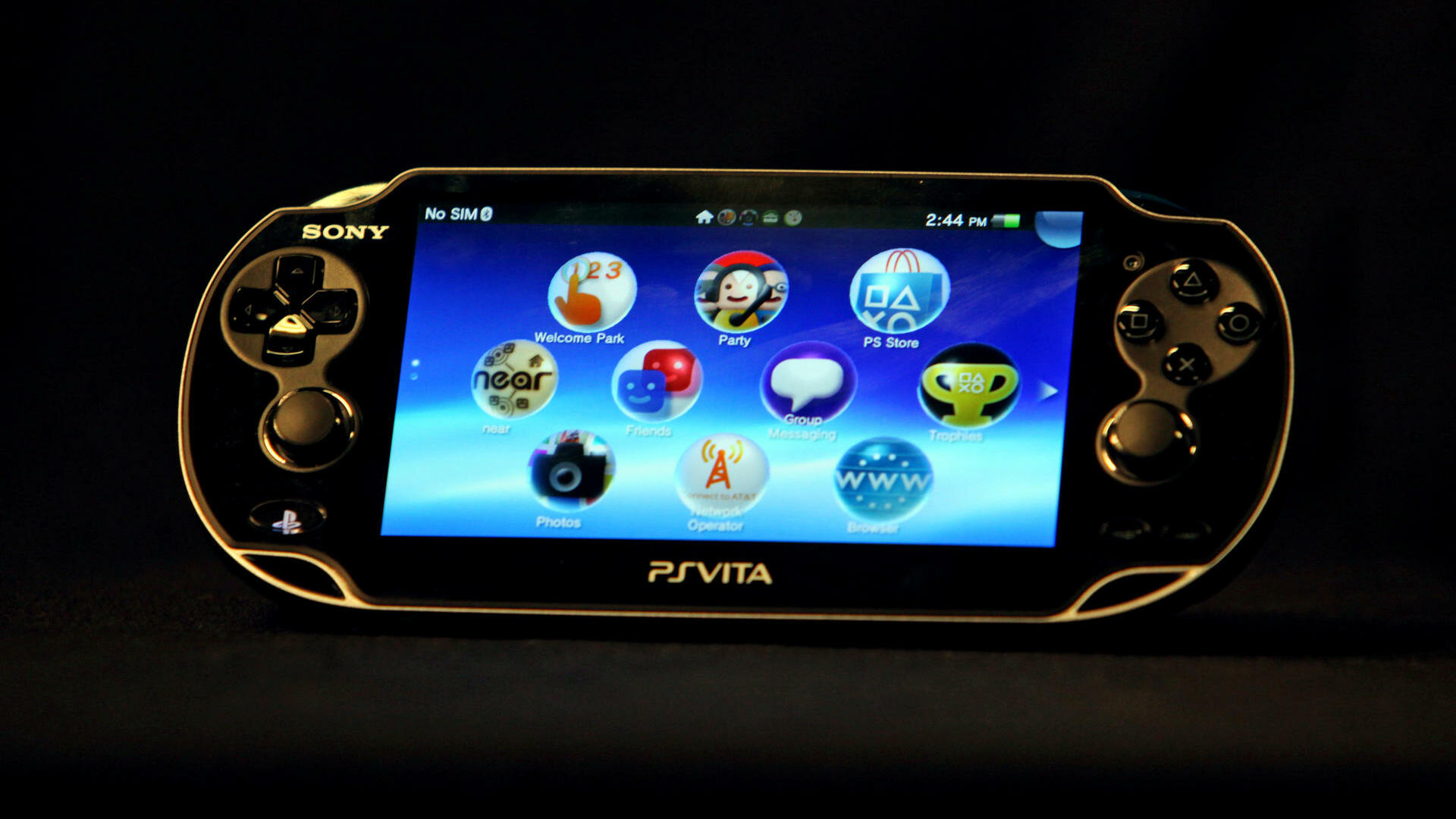Playstation Vita, Sony's new high-powered handheld console with a rear touchpad. Quelle: dapd