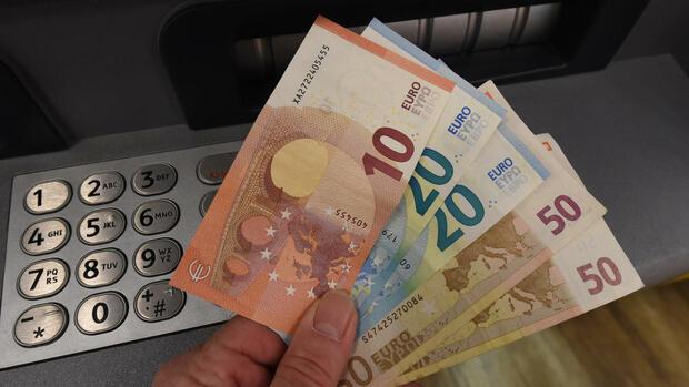 Banken kämpfen noch Jahre mit Mini-Zinsen