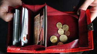 Geldanlage: Sparkonten und Fonds sind bei Anlegern laut Umfrage besonders beliebt