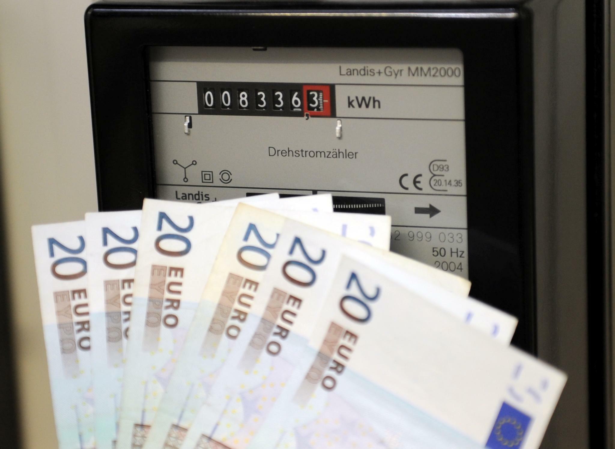 Strompreis: Strom für Haushalte teuer wie nie