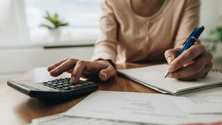 """Newsletter """"Recht & Steuern"""": Was gegen die Doppelbesteuerung der Rente hilft"""