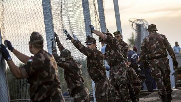 Ungarn baut Sperre an Grenze zu Serbien stark aus