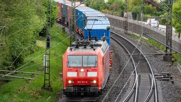 Deutsche Bahn: Lokführer fahren zu selten Zug