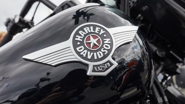Harley Davidson leidet unter Zollstreit, Coca Cola kann Gewinn steigern
