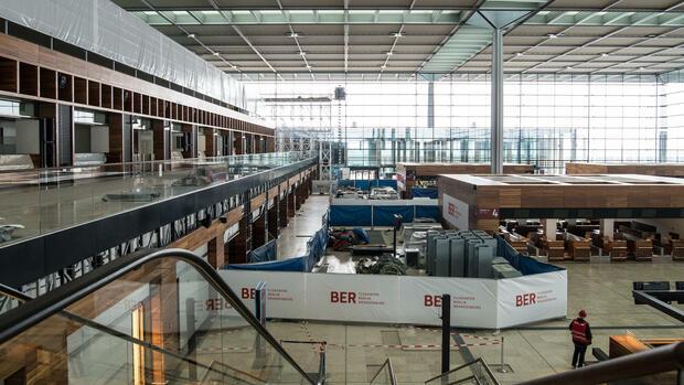 Berliner Flughafen Ber Flughafen Chef Mühlenfeld Will Ber Mit