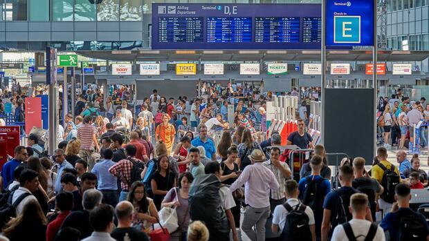Zahl der pünktlichen Flüge steigt: Bislang kein Flug-Chaos