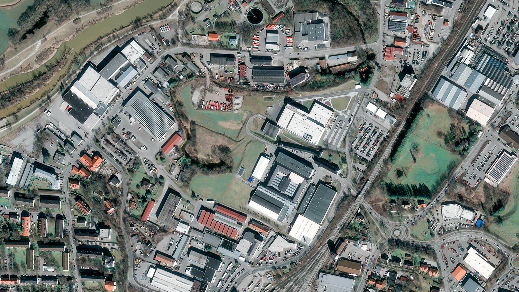 In Weilheim steht Huaweis einzige deutsche Fertigungsstätte. Doch was der chinesische Konzern dort genau macht, ist ein Rätsel.