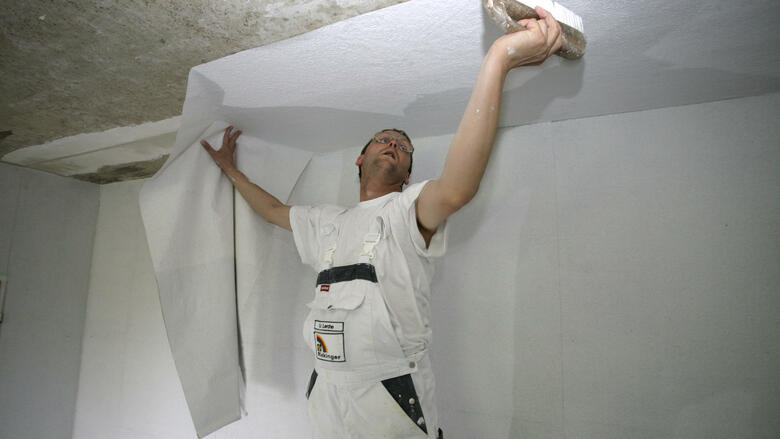 streichen tapezieren renovieren diese urteile sollten mieter beim auszug kennen. Black Bedroom Furniture Sets. Home Design Ideas