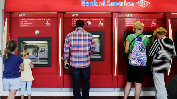 Automaten der Bank of America in New York. Quelle: AP