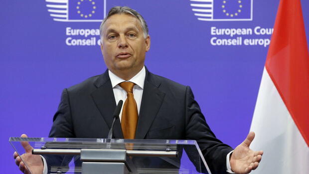 huGO-BildID: 48626137 dpatopbilder epa04910246 Hungarian Prime Minister Viktor Orban speaks during a press briefing prior a meeting at the European Council in Brussels, Belgium, 03 September 2015. Orban is in Brussels for meetings with top-level EU politicians for discussions on the migrant and refugees crisis. EPA/OLIVIER HOSLET +++(c) dpa - Bildfunk+++ Quelle: dpa