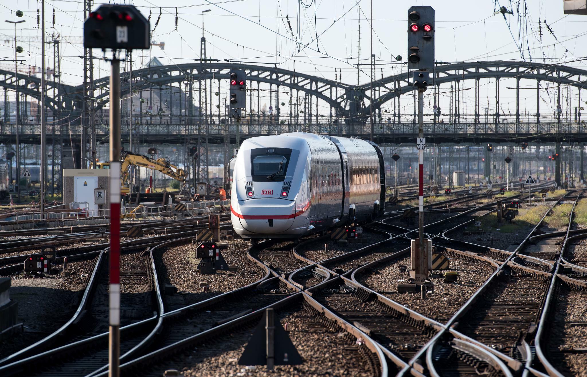 Energiekonzern: Innogy liefert Windstrom an die Deutsche Bahn