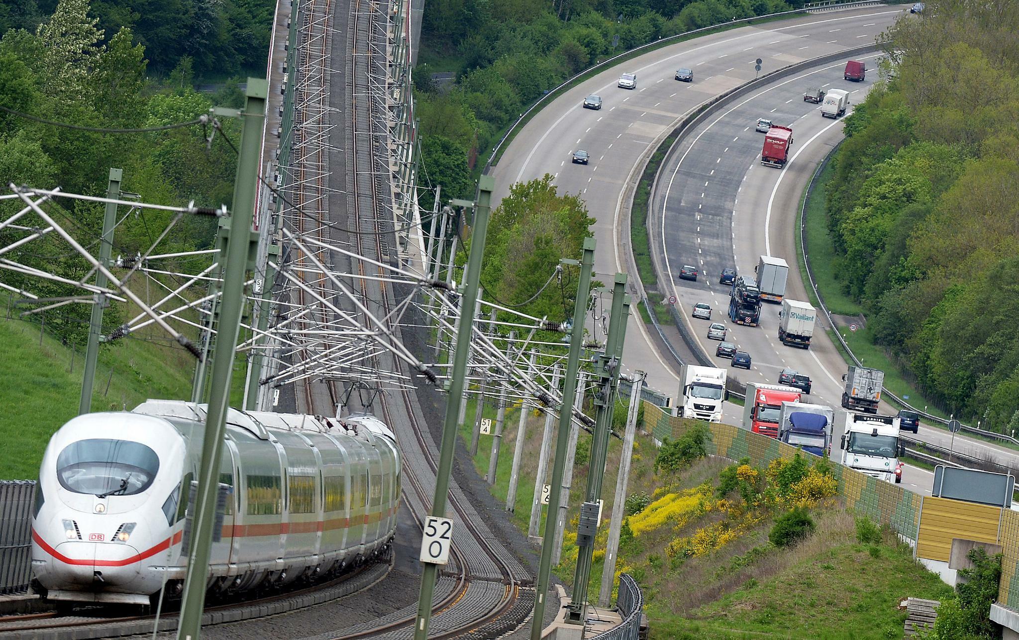 Erneuerbare Energien: Deutsche Bahn startet europaweite Ausschreibung für grünen Strom