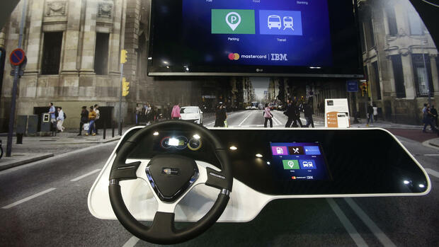Connected-Car-Technologie von IBM and Mastercard beim Mobile World Congress in Barcelona Quelle: AP