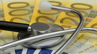 Selbstständig und in finanzieller Schieflage?: 3 Corona-Tipps für Versicherte in der PKV