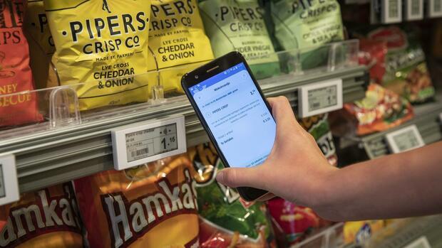 Einzelhandel Amazons Wettbewerber Schaffen Die Kassierer Ab