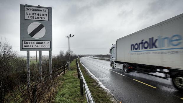 Grenzkontrollen zu Irland für London nach Brexit verzichtbar