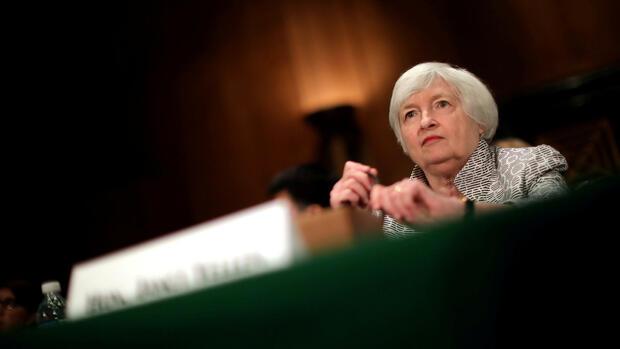 Börse Frankfurt: Dax vor Fed-Entscheid kaum verändert
