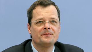 Joachim Wuermeling: Bundesbank-Vorstand spricht sich gegen Verbot von Negativzinsen für Sparer aus