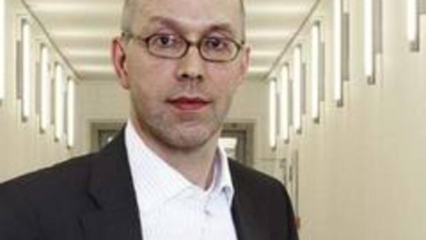 kritik an staatlicher bankenrettung staatssekretr asmussen ikarus aus dem finanzministerium - Wolfgang Schuble Lebenslauf