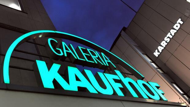 Handel: Fusion von Karstadt und Kaufhof? Gewerkschaft will Klarheit