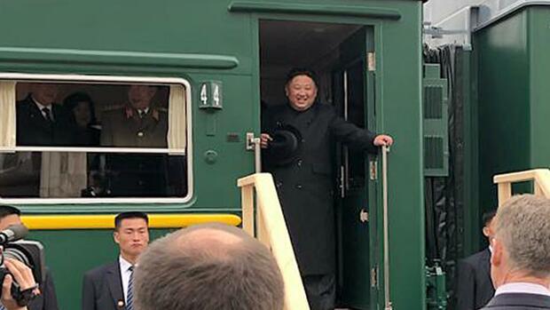 Kim Jong Un für Gipfel mit Putin in Russland eingetroffen