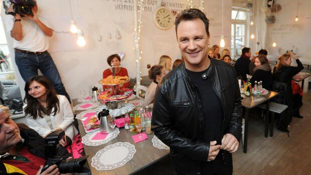 Guido maria kretschmer wirbt f r linvestment die for Modedesigner frankfurt