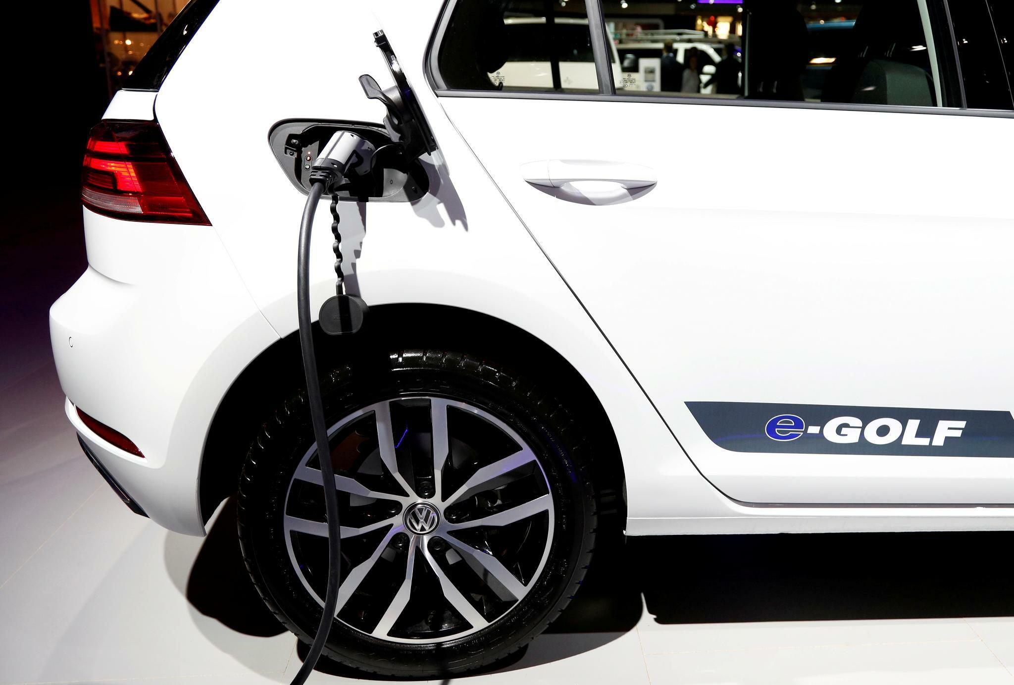 e-Golf: Rabatte und Förderung machen Elektro-Golf billiger als günstigsten Verbrenner