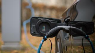 Ifo-Studie: Trend zu E-Autos könnte Branche Tausende Jobs kosten