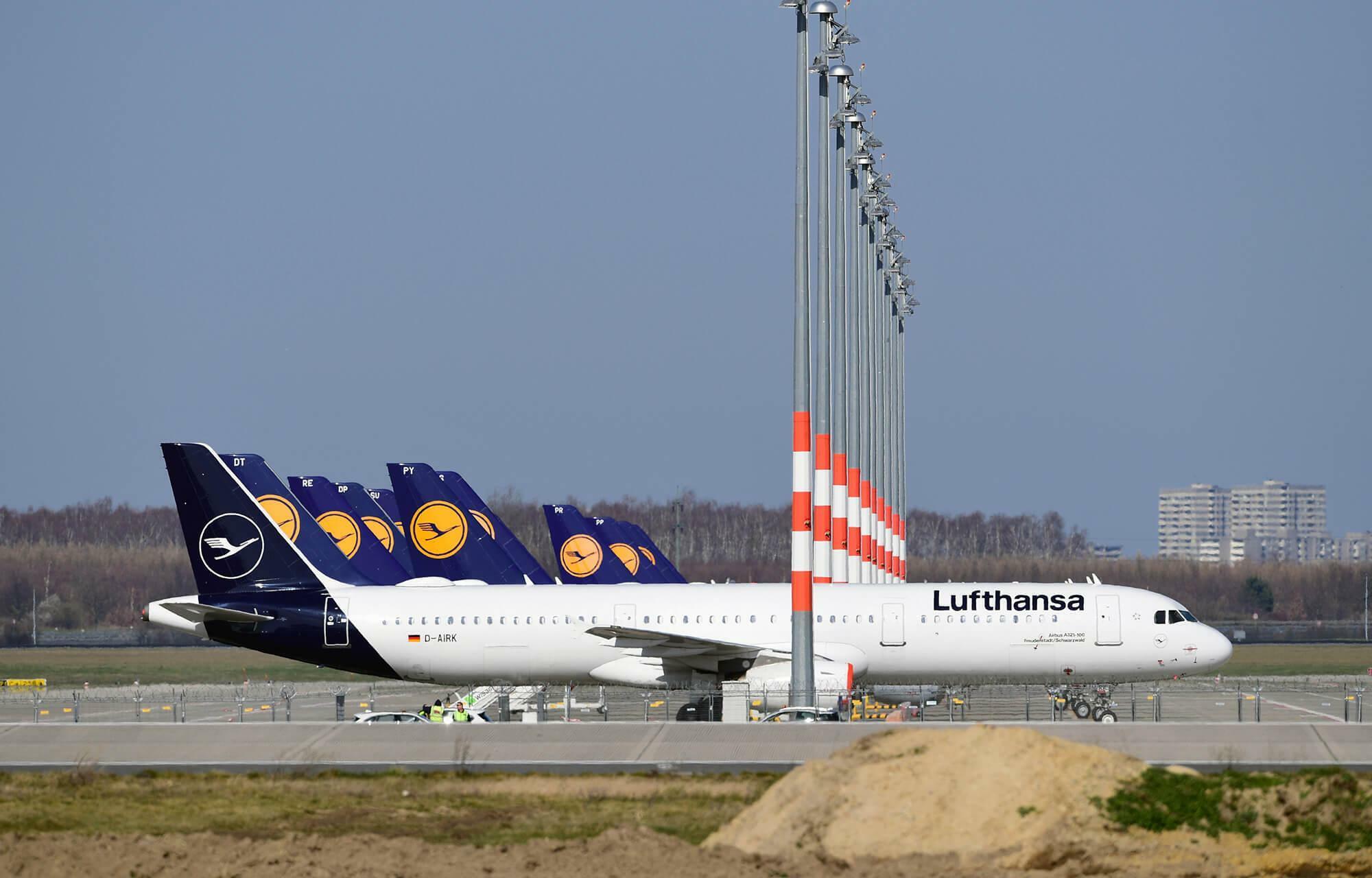 Flugzeugparkplätze auf dem neuen Berliner Flughafen BER