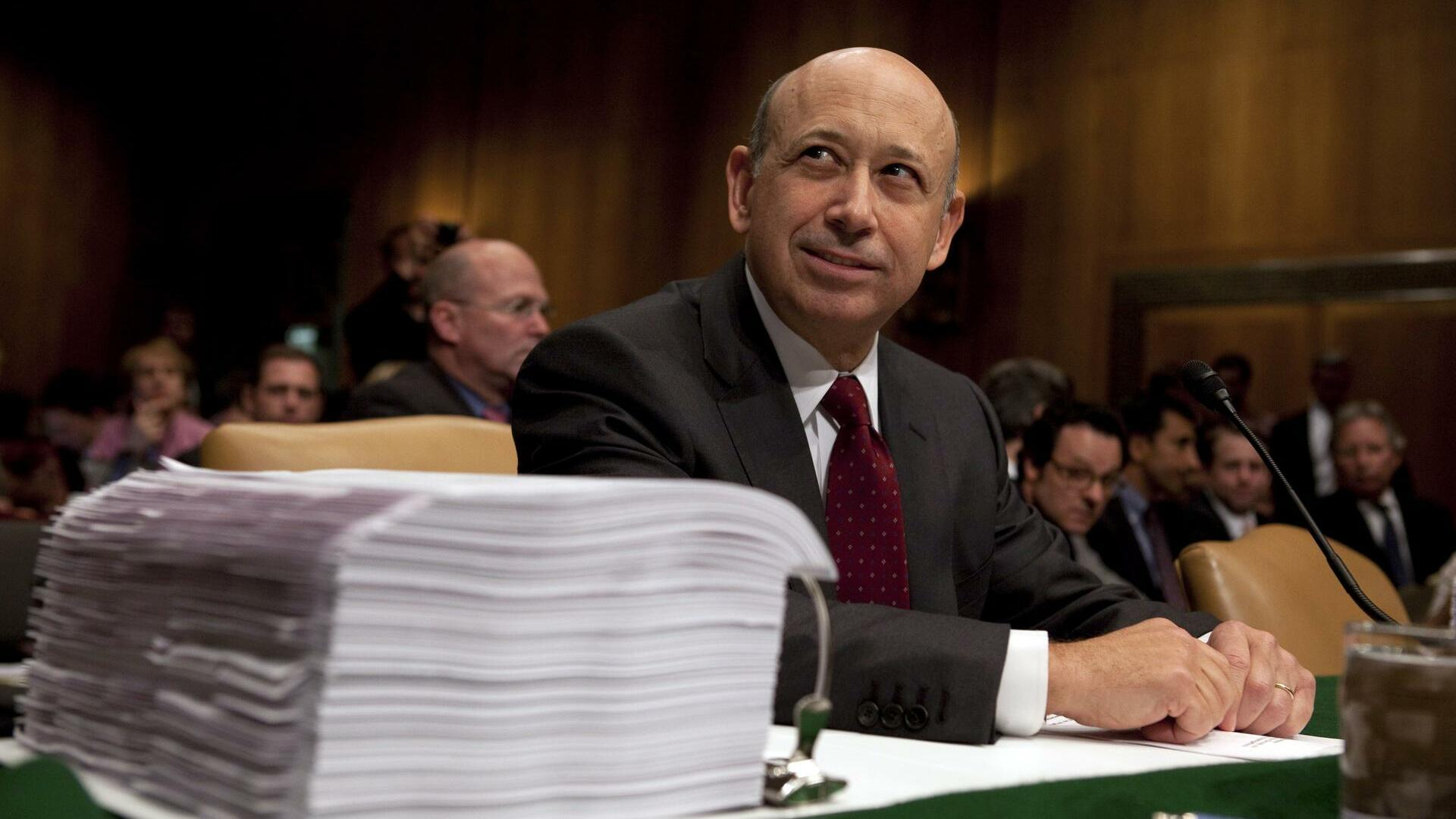 Goldman Sachs chairman and chief executive officer Lloyd Blankfein pauses before he testifies before the Senate Subcommittee on Investigations hearing Quelle: AP